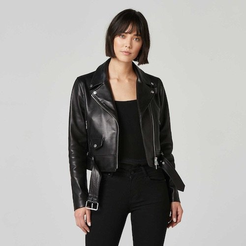 outfits para mujeres chaqueta de cuero negra
