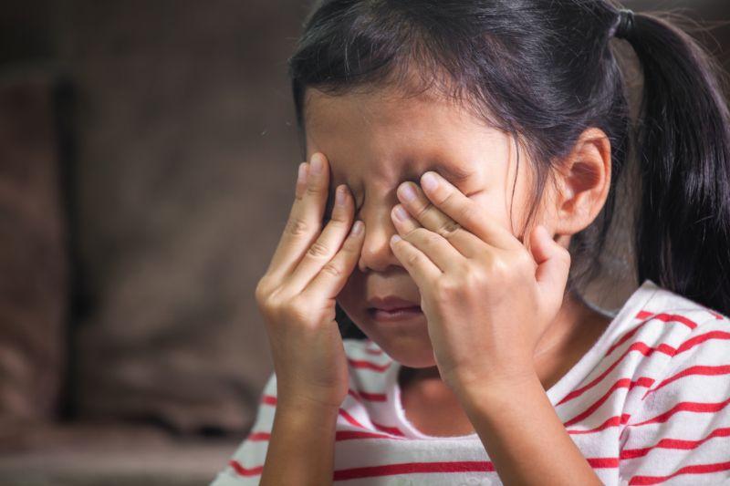 Signos de problemas en la vista que presentan los niños