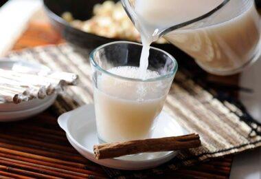 Los beneficios y contras de la leche de avena