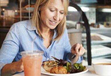 Alimentación recomendada para mujeres con osteoporosis