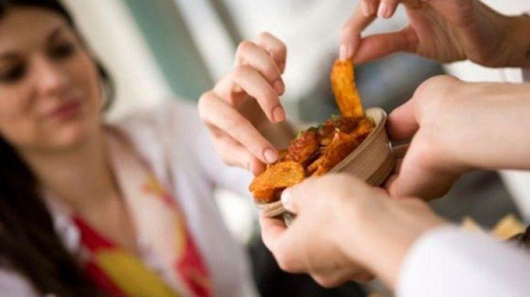Los efectos negativos de comer a cada rato