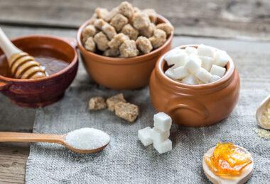 Los diferentes tipos de azúcar y sus propiedades y efectos en el cuerpo