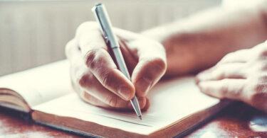 Escribiendo cartas de amor