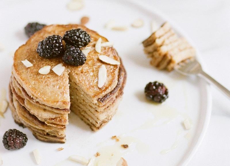 Pancake vegano o panqueques veganos para tener un desayuno saludable