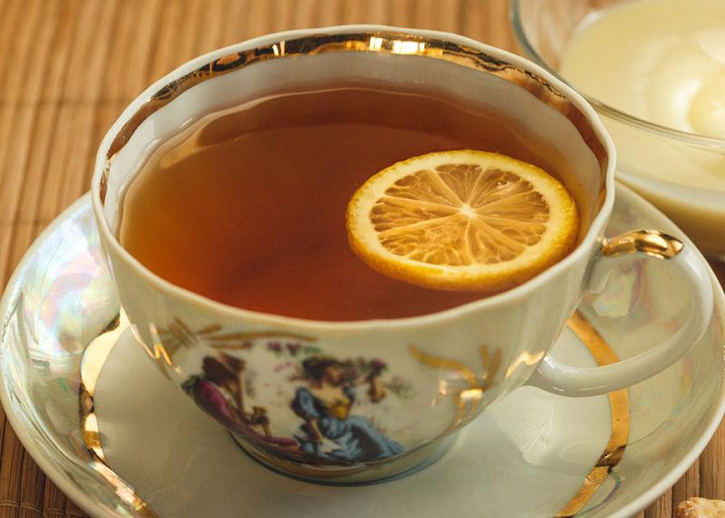 Aprende cómo preparar un té de hueso de aguacate