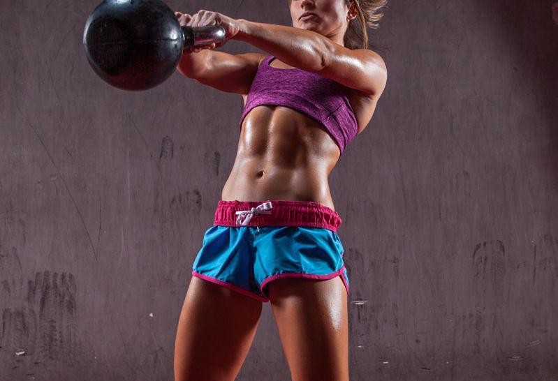 Los mejores ejercicios con pesas rusS