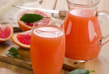 Conoce los beneficios del zumo de pomelo para bajar la grasa abdominal