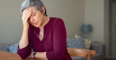 Hierba de San Juan para tratar síntomas de menopausia