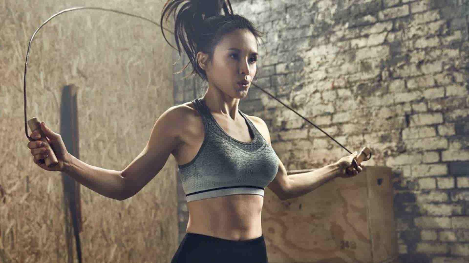 Practicando ejercicio para quemar más de 1000 calorías