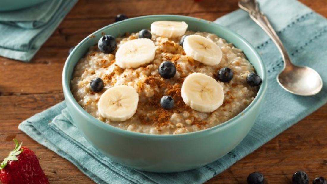 Desayuno de avena para estudiantes