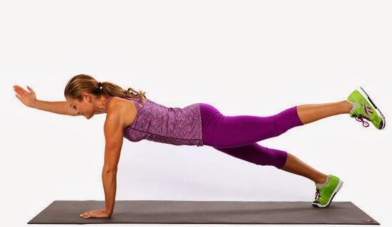 variaciones de plank con alcance opuesto