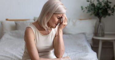 mujer con síntomas por exceso de vitamina D