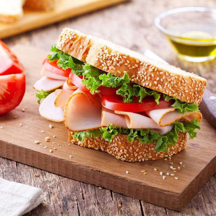 Un delicioso sandwich de pavo para cenar y poder descansar muy bien