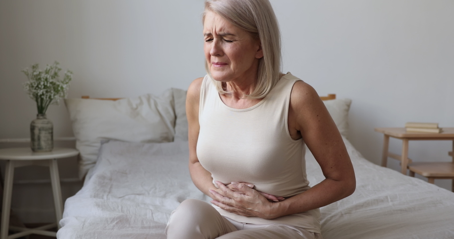 Mujer con síntomas de histamina alta