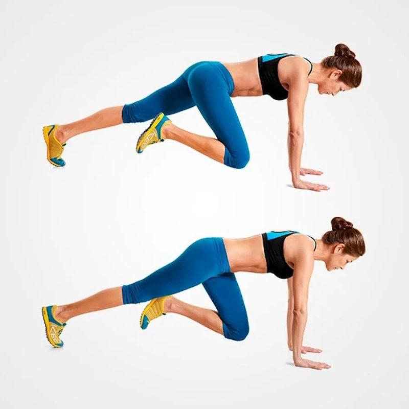 """Realizando el ejercicio de """"el escalador"""" para quemar la grasa abdominal"""
