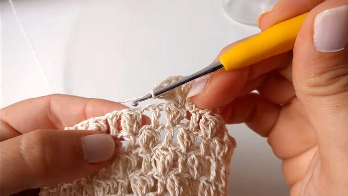 Descubre cómo vestir frascos a crochet (Portavelas) 13