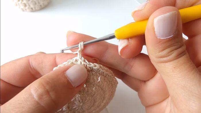 Descubre cómo vestir frascos a crochet (Portavelas) 8