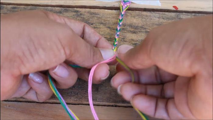Cómo hacer pulseras con hilo encerado paso a paso 11