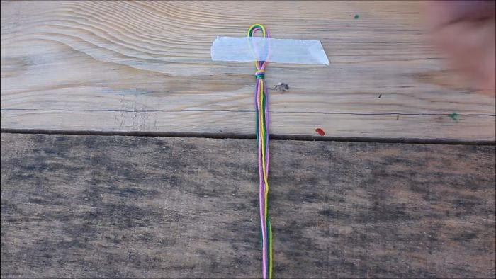 Cómo hacer pulseras con hilo encerado paso a paso 2