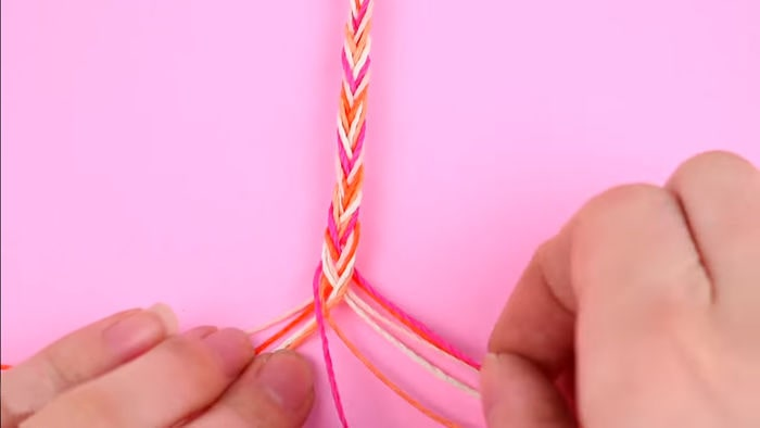 Cómo hacer pulseras con hilo encerado paso a paso 12