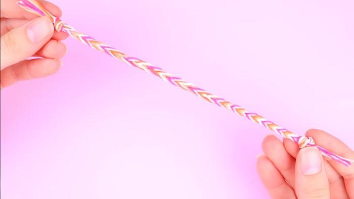 Cómo hacer pulseras con hilo encerado paso a paso 14