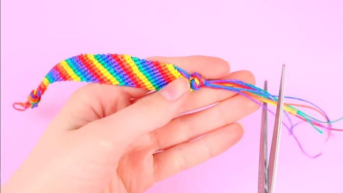 Cómo hacer pulseras con hilo encerado paso a paso 18