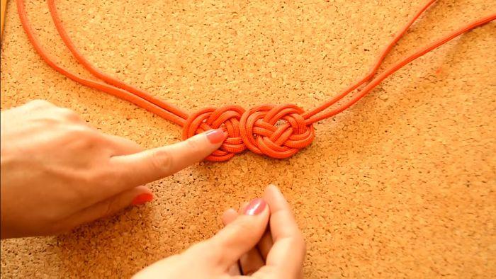 Mira cómo hacer un collar de nudos celta paso a paso 11